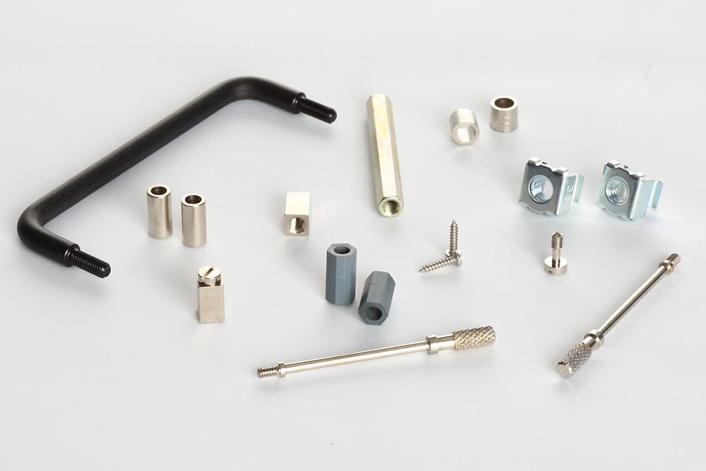 Separadores hexagonales, cilíndricos, cuadradillos de contacto, sistemas de fijación electrónicos.